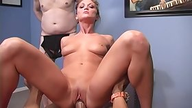 BBC cuckold fantasy becomes a reality and Flee Thomas is one sexy bungle