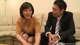 Mature Asian Enshiro Hitomi categorically knows how to mouth a exhaust