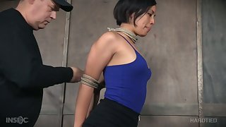 Kinky fart punishes Milcah Halili's pussy with the help of fingers and vibrator